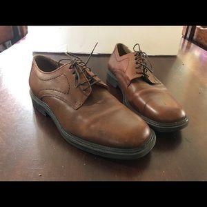 Mens Brown Dress Shoes Size 9.